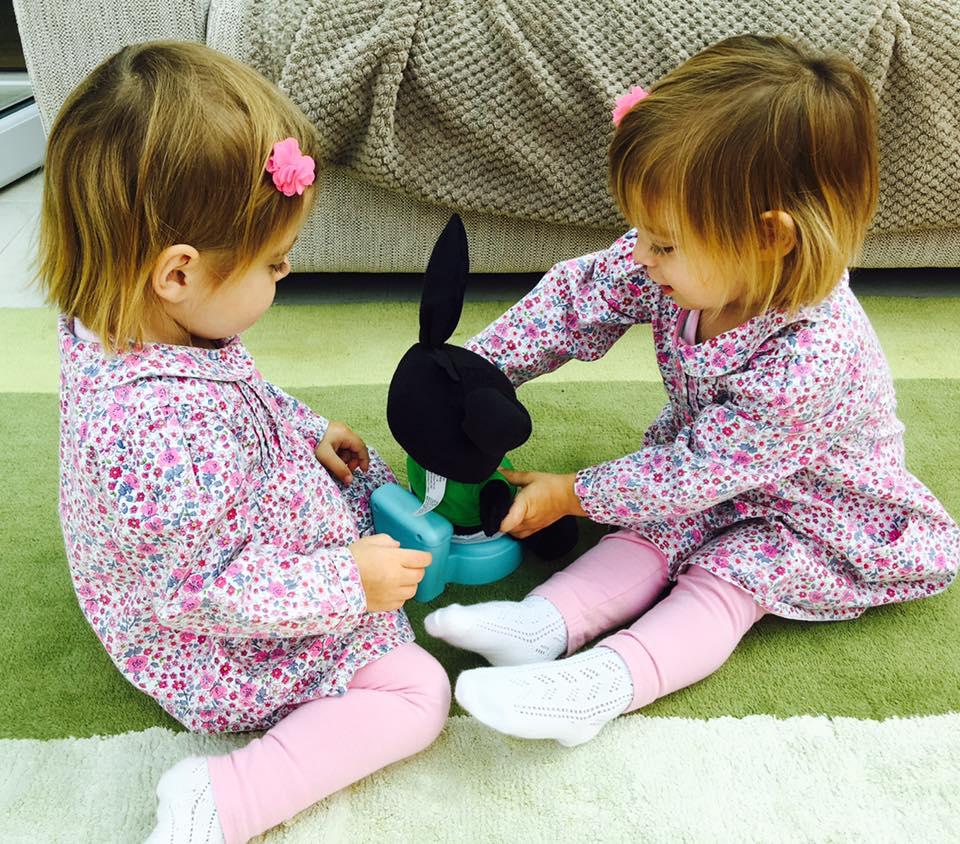 twins-play