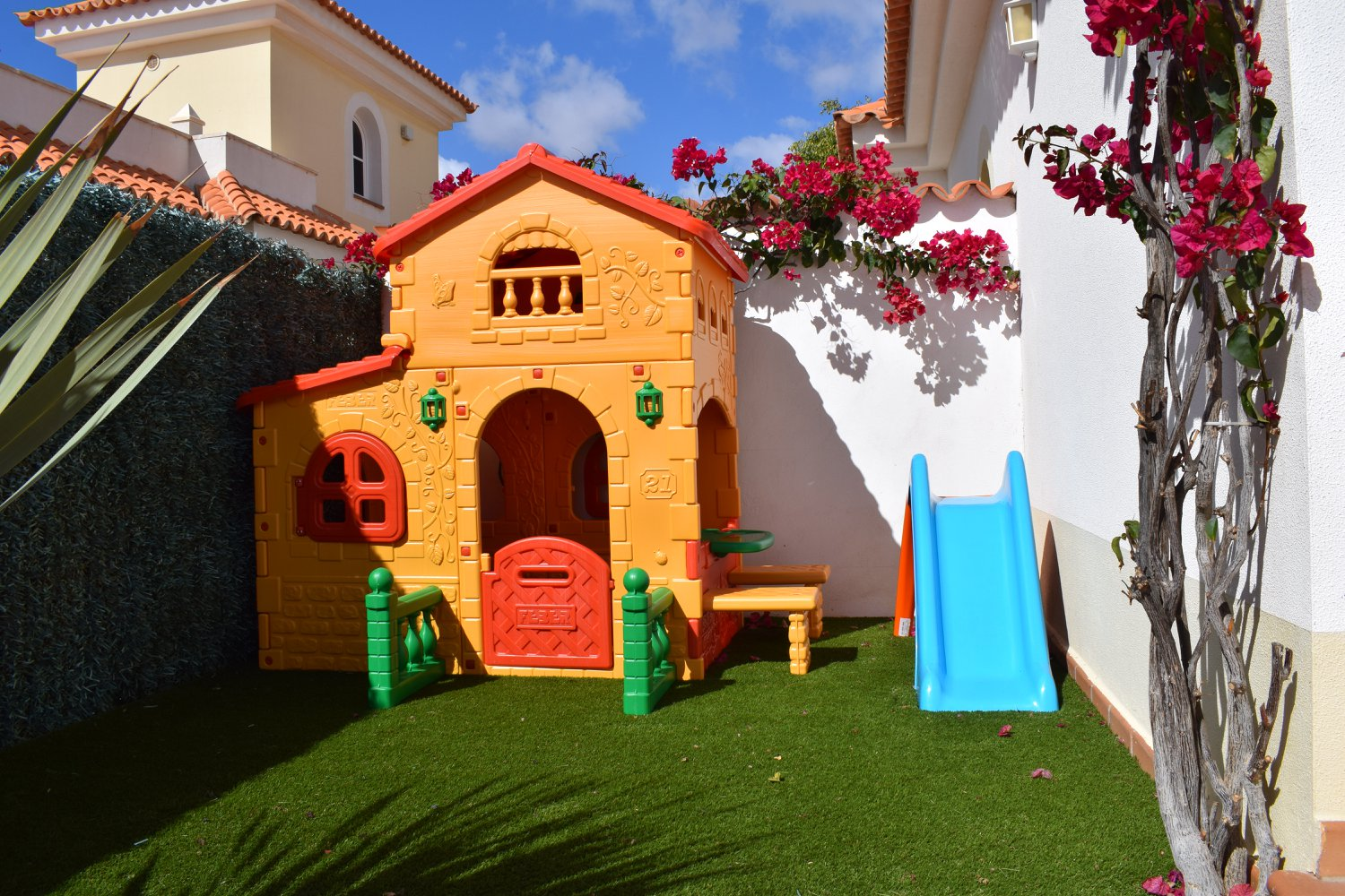 villa-rochelle-play