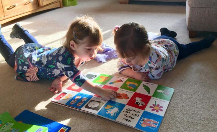 children reading together