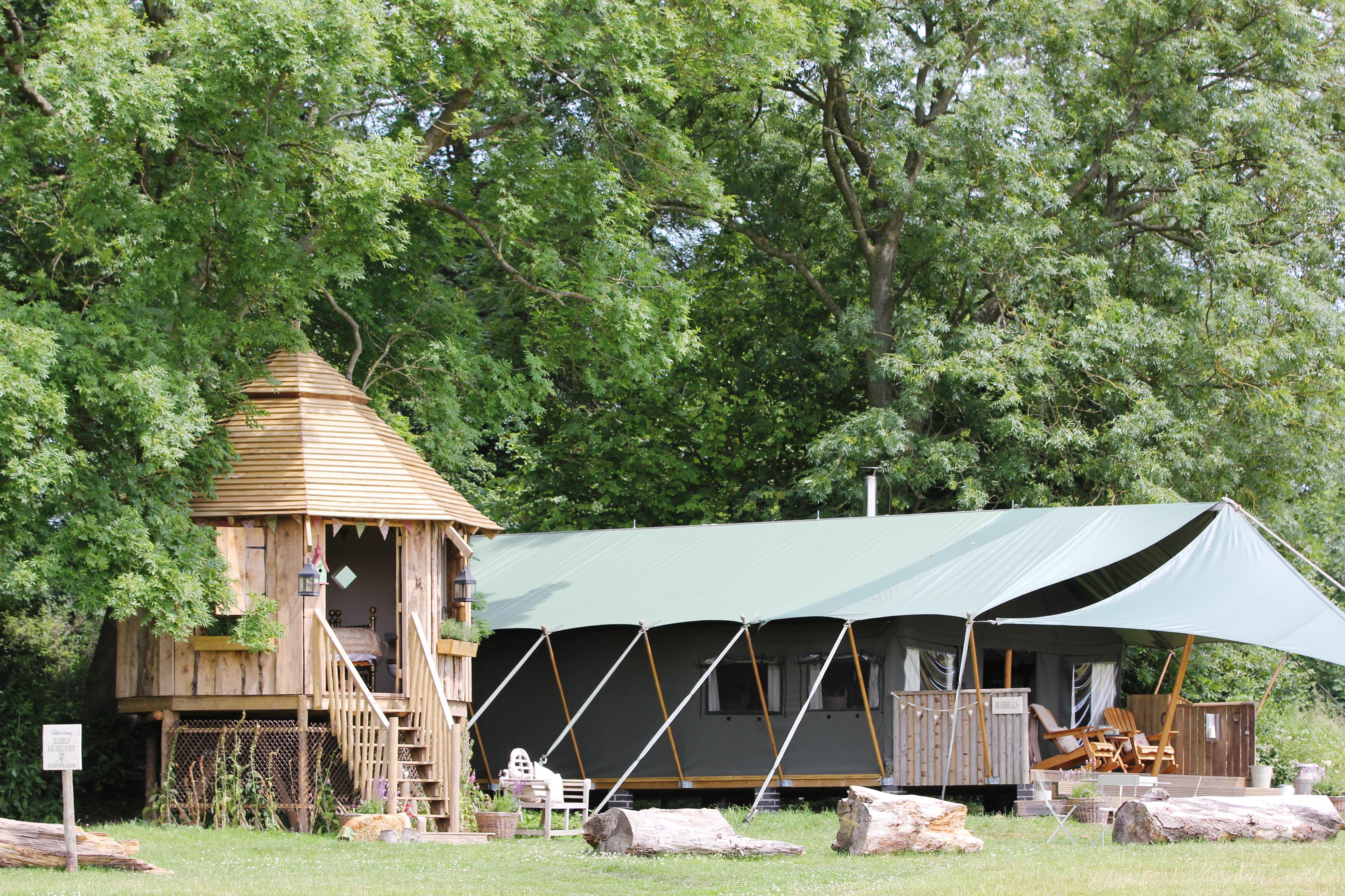 family travel to Dandelion Hideaway.Safari tents