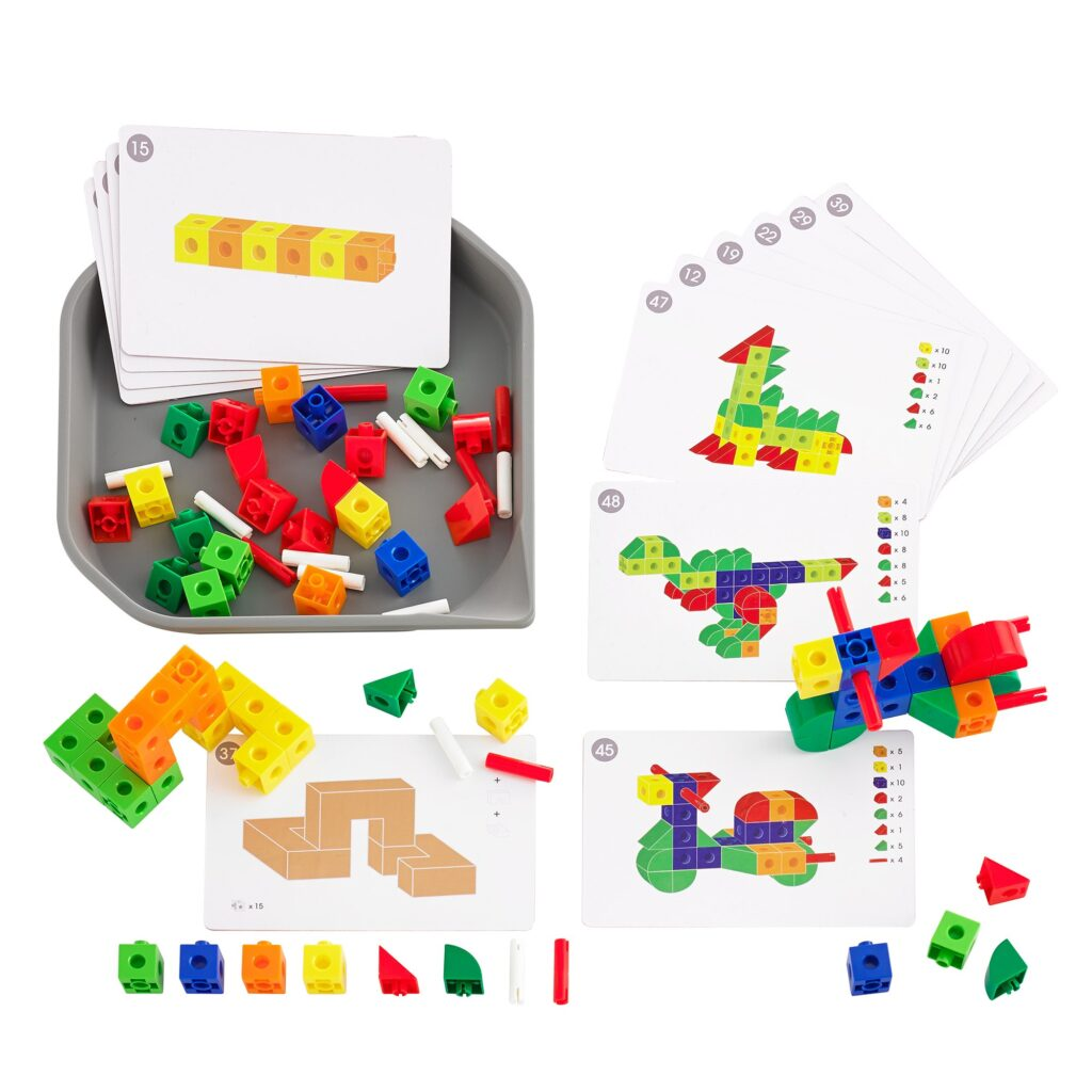 Fun Play colourful cubes with cards