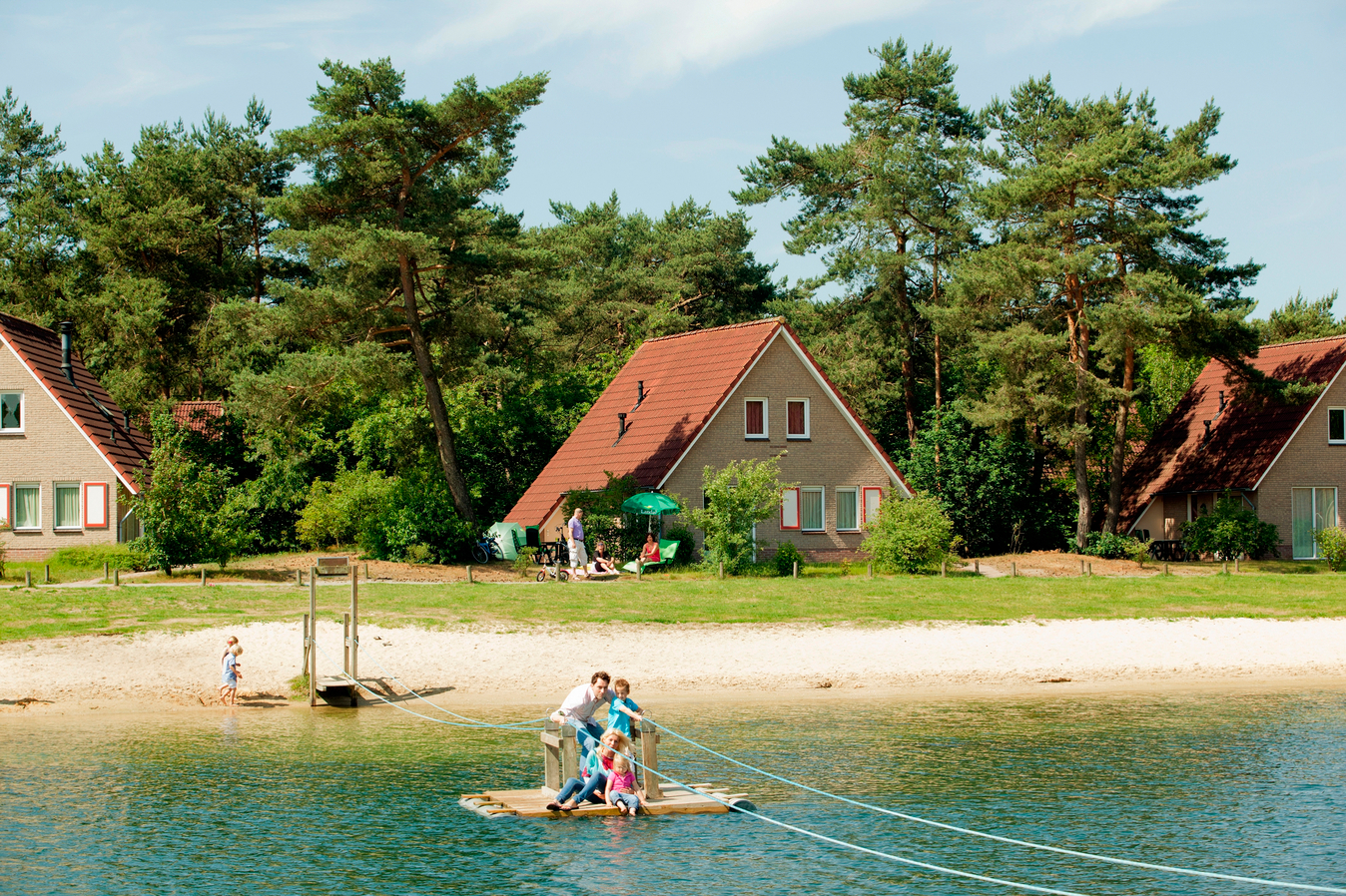 Landgoedt-Loo. Children playing on the beach. Top child friendly holidays in Holland