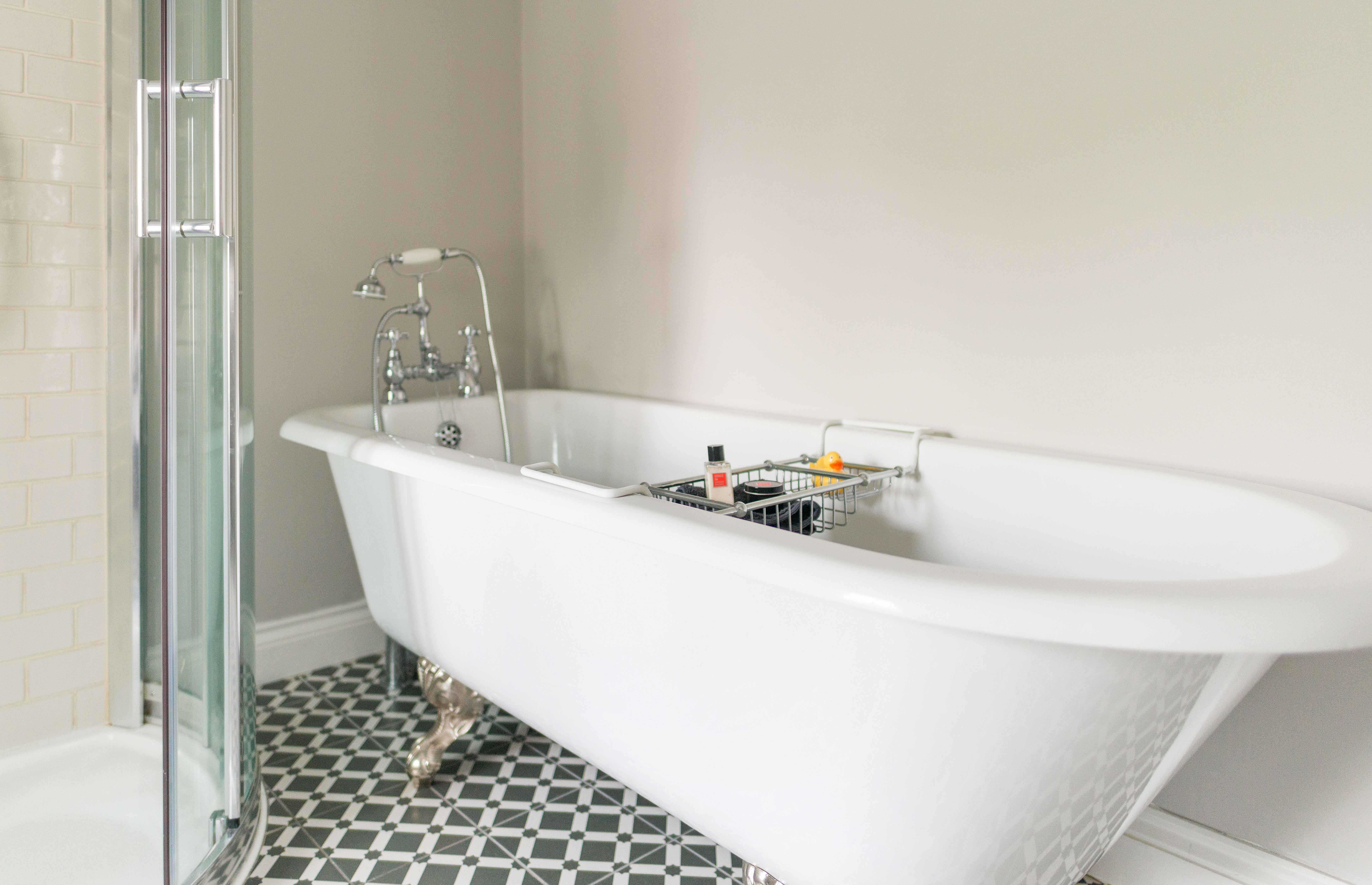 Bathroom at Spindle cottage. A family friendly cottage in the New Forest.