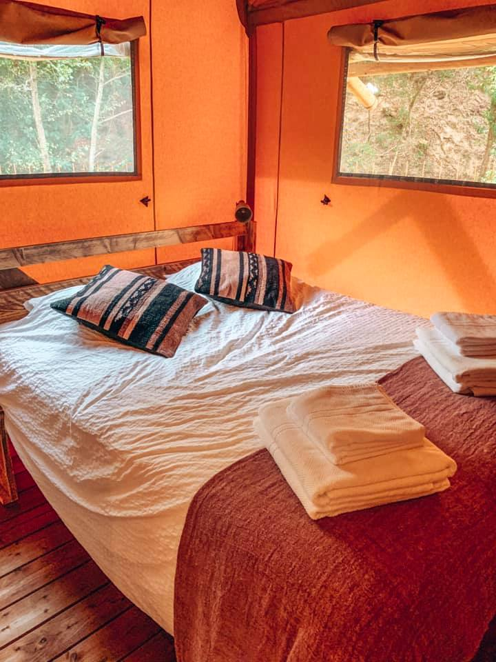 Double bedroom in family lodge