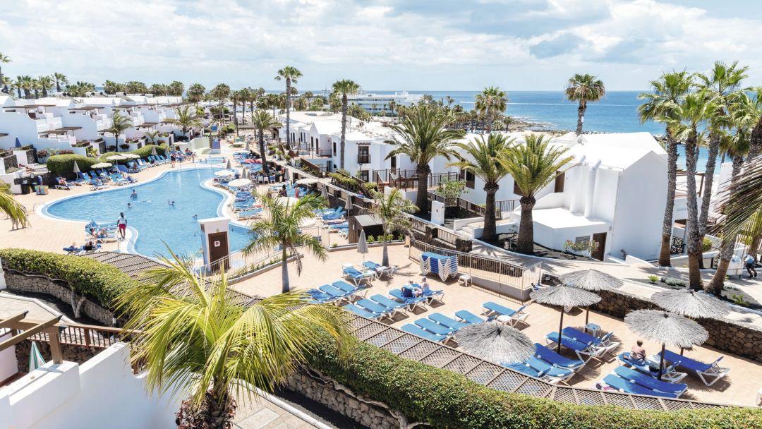 Flamingo family life resort Lanzarote pool complex