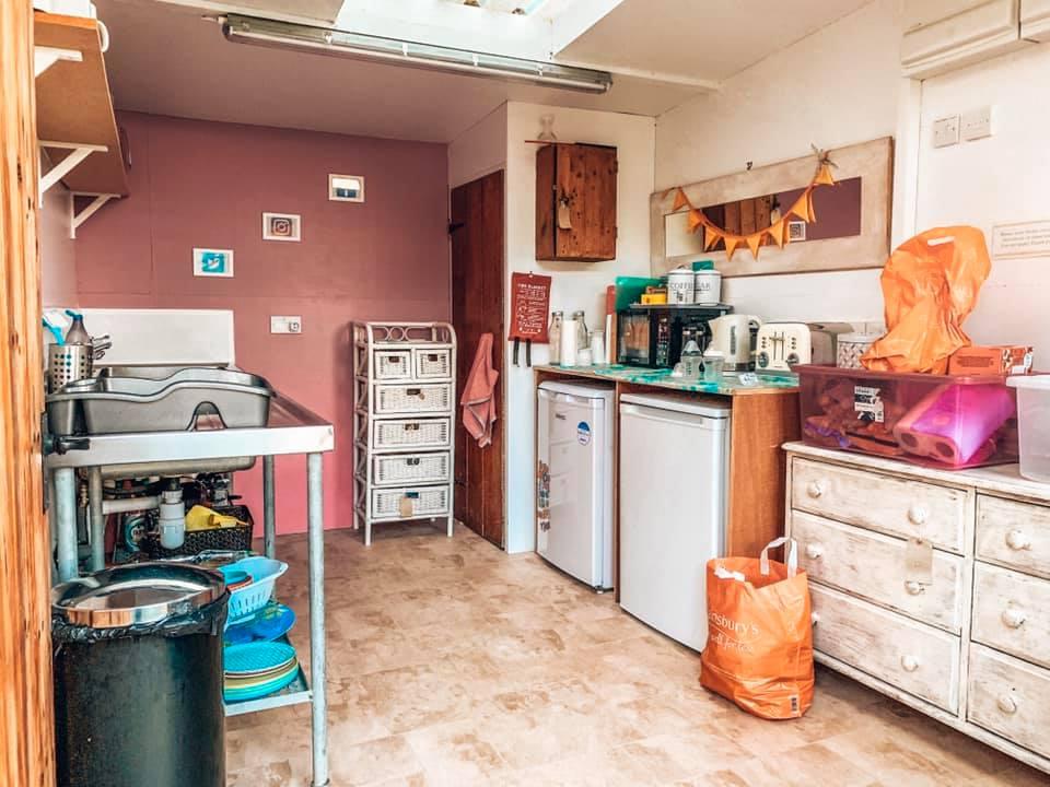 kitchen facilities at Campden Yurts