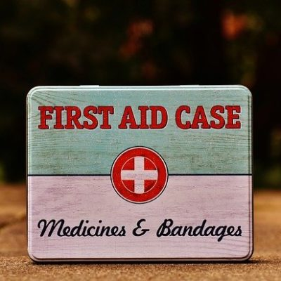 What to Pack in Your Holiday DIY First Aid Kit