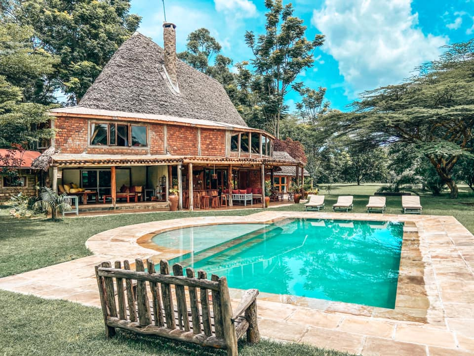 picture of the outside of Villa in thr Wild & Pool