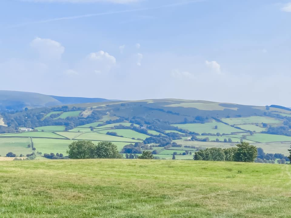 Green rolling hills in Wales at Penlan Lodges